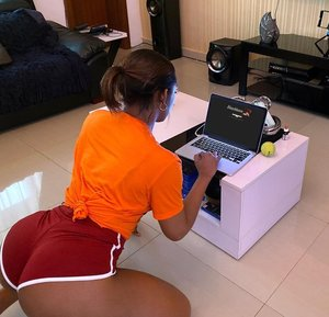 Rating: Questionable Score: 28 Tags: african_female big_ass bleached_website dark-skinned_female edit meta real short_shorts User: Gognar